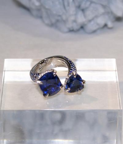 BLUE SAPPHIRE OPEN RING - 1.jpg