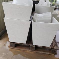 Jardinera de piedra (cuadrada)
