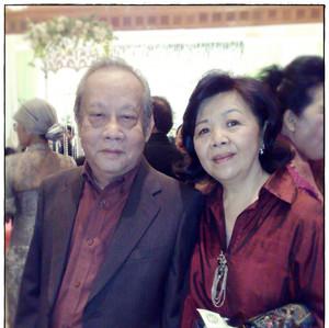 Papi and Mami (2).jpg