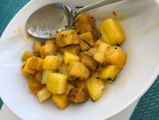 Batata doce e abacaxi no alecrim