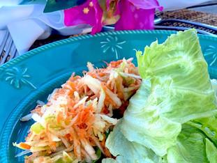 Salada Refrescante de Salsão, Maçã Verde e Cenoura