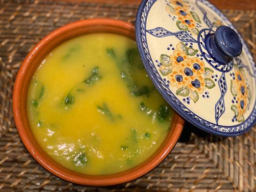 Sopa de mandioquinha com agrião
