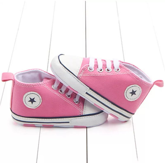 Classic Canvas Sport Shoe in Pink