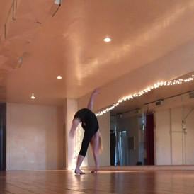 Handstand Pirouette