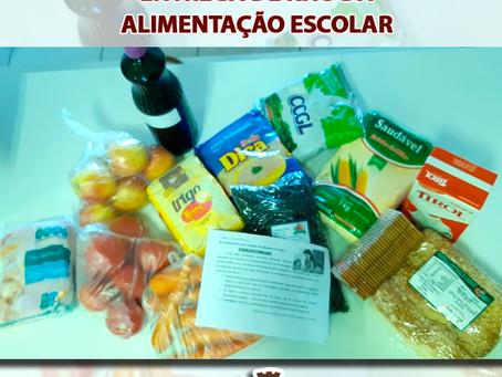 Kits de alimentação são entregados para alunos das escolas municipais de Estação
