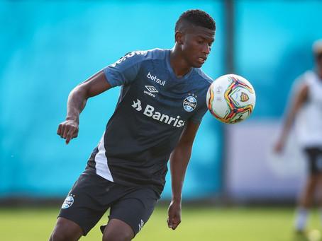 Grêmio planeja conversa com o Cruzeiro para negociar permanência de Orejuela