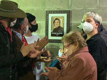 Em noite marcada por homenagens à Janete Jevinski, foi aberto o XI Acampamento Farroupilha