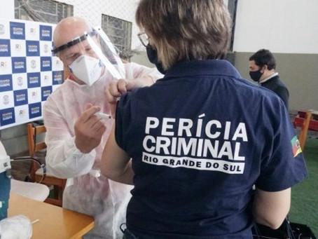 Deputados gaúchos questionam vacinação prioritária de servidores do Detran e IGP