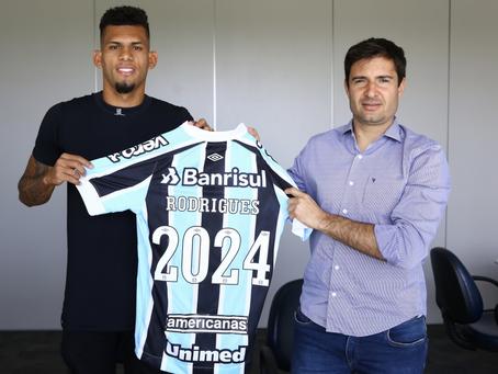 Grêmio oficializa renovação de contrato de Rodrigues até dezembro de 2024