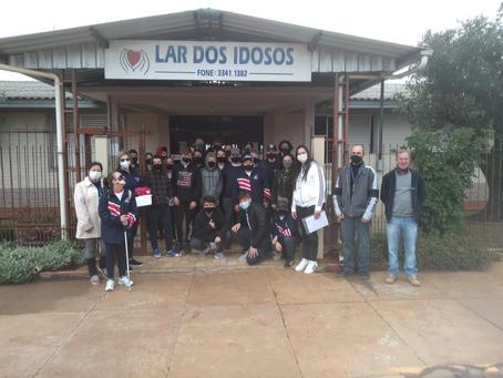 Alunos da Escola Dom João Becker de Ipiranga do Sul entregam donativos a entidades beneficentes