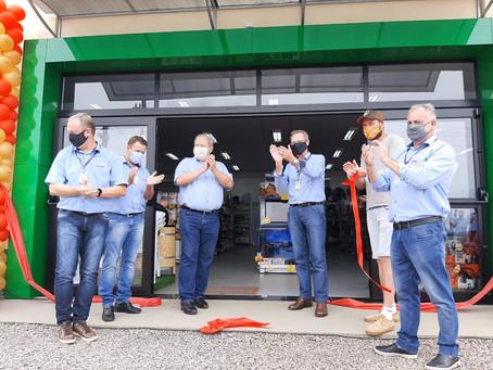 Cotrijal inaugura loja em Estação