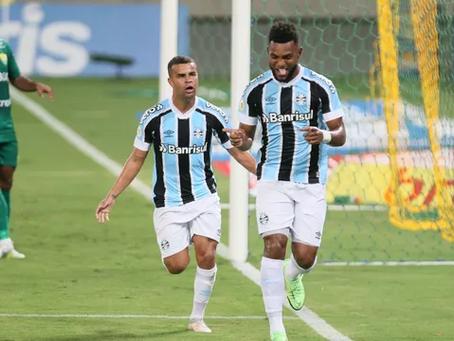 Com pênalti marcado pelo VAR, Grêmio bate o Cuiabá em jogo atrasado e ganha ânimo no Z-4