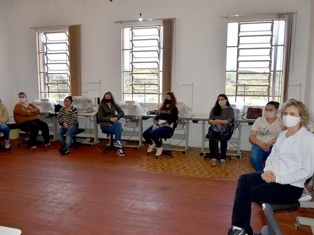 Prefeitura de Getúlio Vargas inicia curso de costura básica industrial