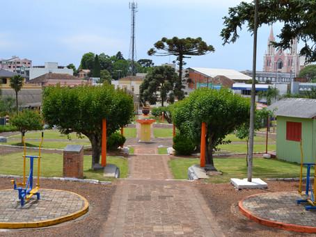 Reunião inicia estudos para recuperação e revitalização da Praça Flores da Cunha em Getúlio Vargas