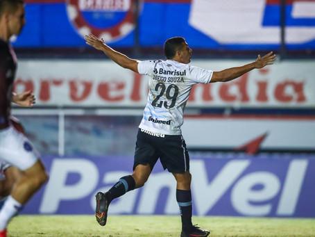 Com dois gols de Diego Souza, Grêmio vence Caxias e sai na frente rumo à final do Gauchão