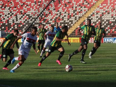 Ypiranga de Erechim vence o Botafogo (SP) e segue na liderança da Série C