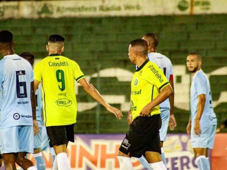 Ypiranga começa vencendo, tem jogadores expulsos e toma a virada contra o Londrina
