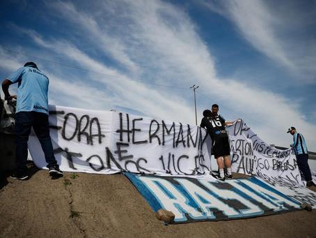 Ministério Público do RS pede suspensão da Geral do Grêmio após atos violentos no CT do clube