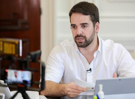 Eduardo Leite sanciona leis que criam programa Veículo Legal e o projeto Máscara Roxa