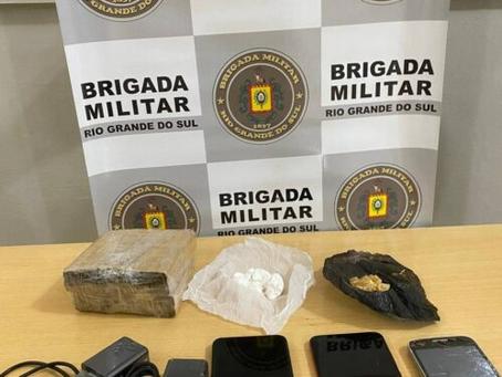 Quatro pessoas são detidas após arremesso de drogas e celulares no presídio de Getúlio Vargas