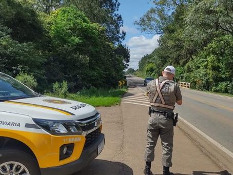 Homem é preso ao oferecer dinheiro a policiais rodoviários para ser liberado em Coxilha