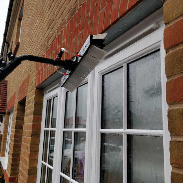 windowcleaningservicesforsuttonvalence4.