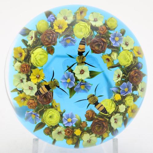 David Graeber Three Hovering Honeybees & Wreath Art Glass Paperweight