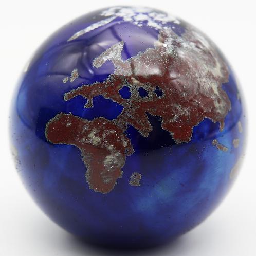 Lundberg Studios Glass World Globe Art Glass Paperweight with COA & Box