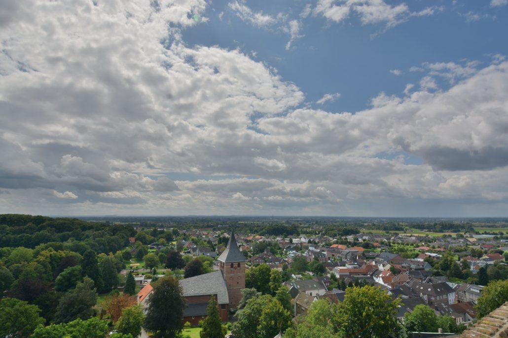 geluksplek-1-uitzicht-Bergfried-1-1030x6