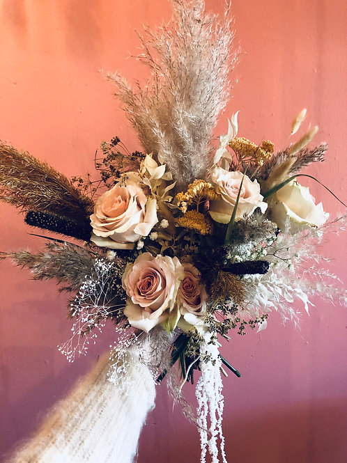 Large Fresh and Dried Mixed Bouquet