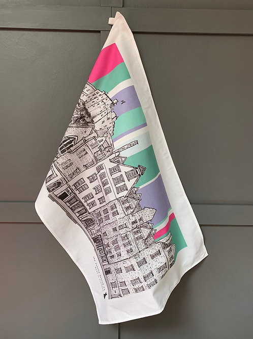 Edinburgh Castle and Grassmarket Tea Towel - Raspberry