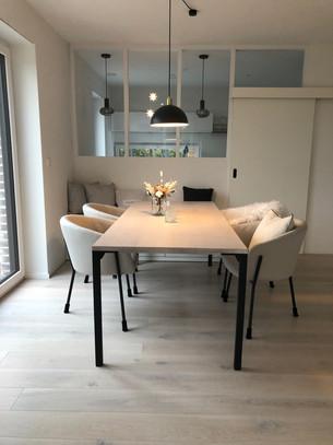 Esstisch MIKA (210 x 90 cm, ruhige Maserung, Oberfläche nach Kundenmuster)