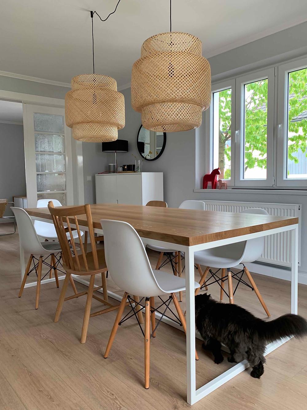 Esstisch skandinavisch weißes Tischgestell