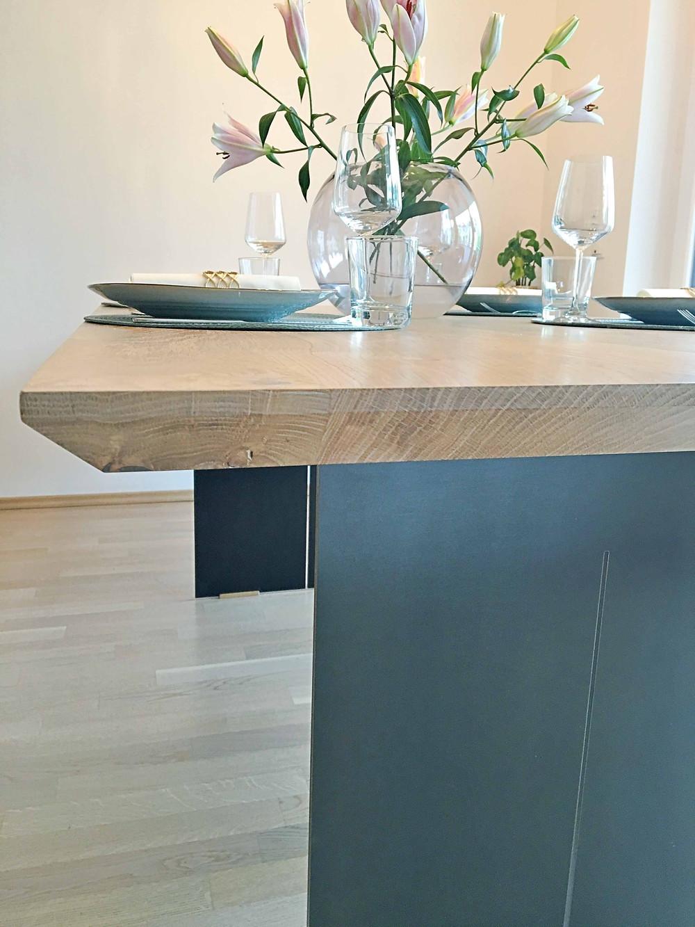 Holztisch Eiche mit Schweizer Kante