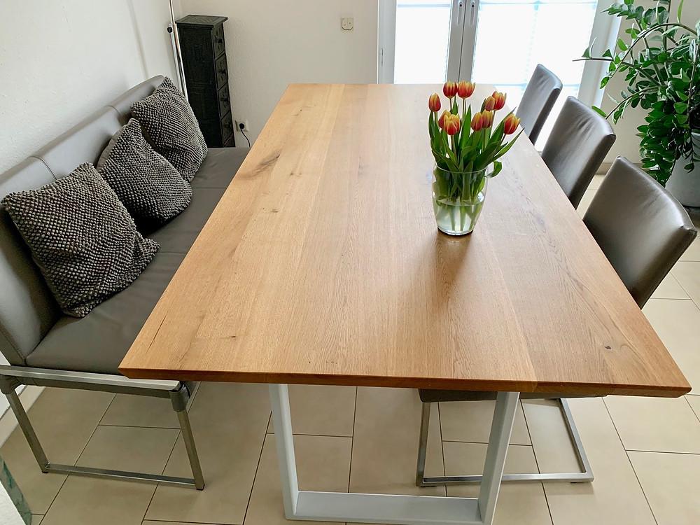 Esstisch Holz und Gestell individuell gestaltet