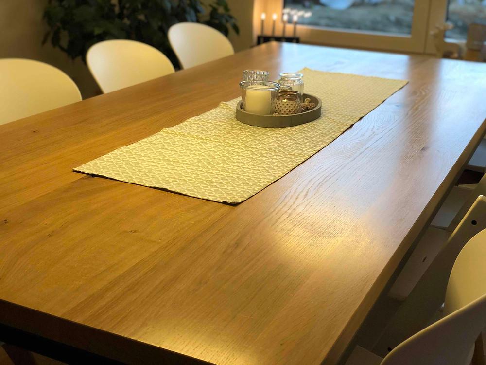 Massivholztisch nach Maß konfigurieren