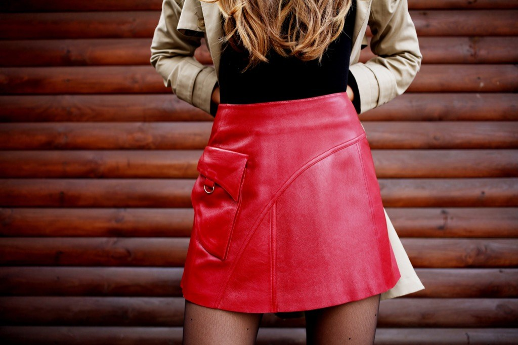 leather-mini-skirt-things-no-woman-over-