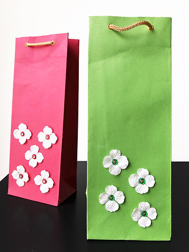 White Flowers Wine Bags (Set of 2)
