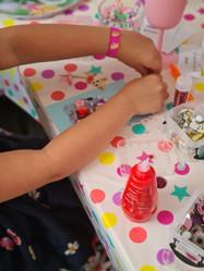 Kinderfeestje glitterpaard maken