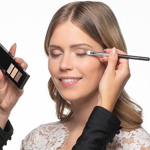 Eyeshadow brush premium quality.