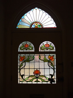 stained-glass-decorative-door