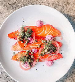Salmon with capers and pickeled onions