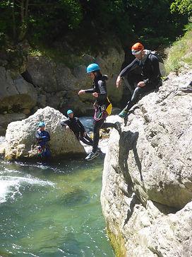 Canyoning-Gorges-du-Loup-Lesgeckos-2.jpg
