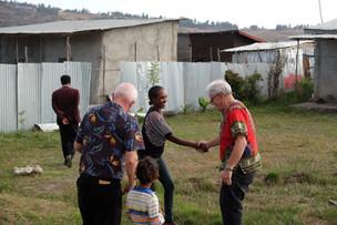 Utanför Addis I Etiopien kommer vi att borra en brunn