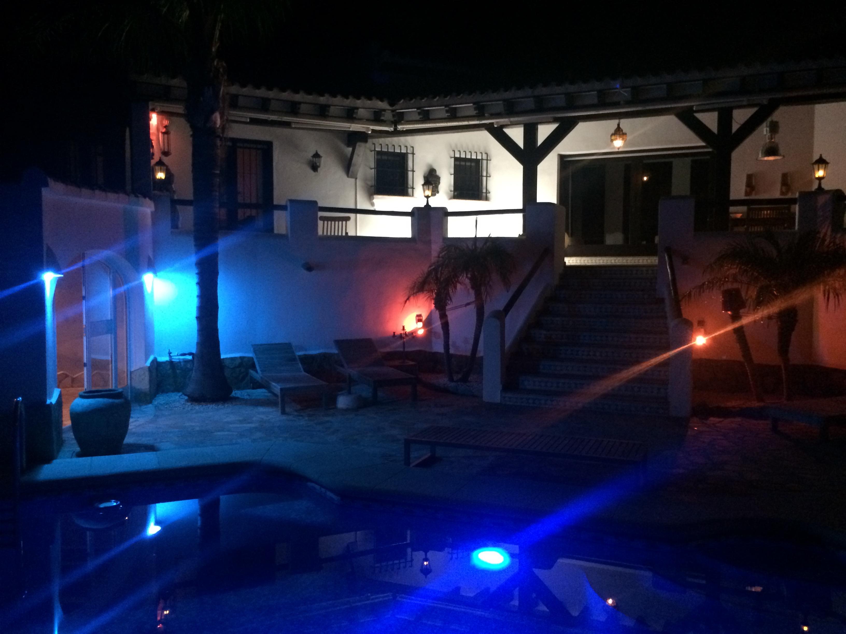 Villa Finca am Abend