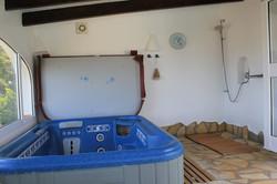 Whirlpool & Dusche mit Aussicht