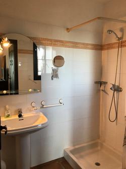 Apartment 1 mit Dusche und WC
