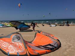 Kit Surfen am Strand von Oliva