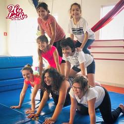 acro coletiva e Circo Infantil