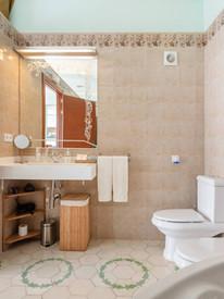 bany suite 2.jpg